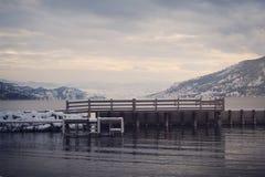 Muelle del paisaje del invierno Fotografía de archivo