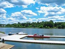 Muelle del río en verano Fotos de archivo libres de regalías