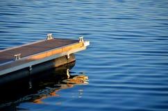 Muelle del yate en el mar Fotos de archivo libres de regalías
