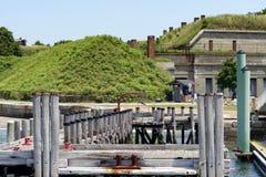 Muelle delante del fuerte Imágenes de archivo libres de regalías