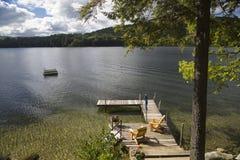 Muelle en el lago Squam, New Hampshire Imagenes de archivo