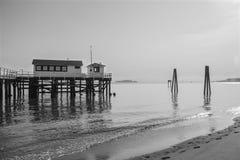 Muelle en la bahía Imágenes de archivo libres de regalías
