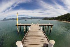 Muelle, océano y barcos fotos de archivo libres de regalías