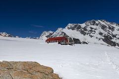 Mueller Hut on the Sealy Range near Mount Cook Stock Image