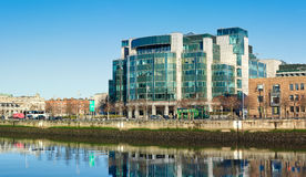 Muelles de aduanas de IFSC en Dublín, Irlanda Imagenes de archivo