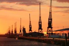 Muelles de Southampton en la puesta del sol Fotos de archivo libres de regalías