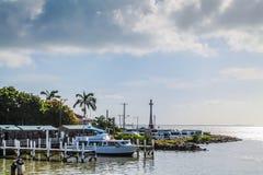 Muelles del barco de Belice de la costa costa Imágenes de archivo libres de regalías