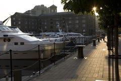 Muelles del St Katharine. Londres. Reino Unido. Fotos de archivo libres de regalías
