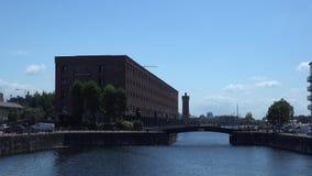 Muelles viejos 4K de Liverpool almacen de metraje de vídeo