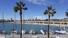 Muelleuno Haven van de stad Costa del Sol van Malaga met kathedraal in B Stock Fotografie