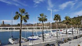 Muelleuno Haven van de stad Costa del Sol van Malaga met kathedraal op achtergrond Stock Afbeeldingen
