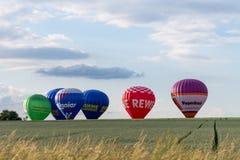 Muenchen, Alemanha - 2 de junho de 2018 os balões de ar quente de differen o Br imagens de stock royalty free