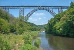 Muengstener Bruecke, река Wupper, Solingen, Германия Стоковое Фото