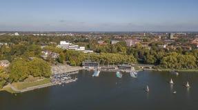 MUENSTER, ALEMANIA - 14 DE OCTUBRE DE 2017: Vista aérea del lago Aasee en Muenster, el Norte-Rin Westfalia Fotos de archivo