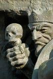 Muerte y cráneo-fragmento de una escultura Imágenes de archivo libres de regalías