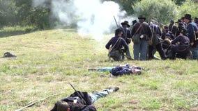 Muerto y herido en campo de batalla de la guerra civil metrajes