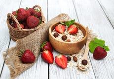 Muesli用草莓 图库摄影