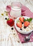 Muesli зерна с клубниками Стоковое Фото