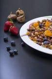 Muesli con las frutas frescas Imagen de archivo