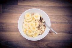 Muesli con los plátanos Fotografía de archivo libre de regalías