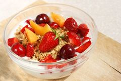 Muesli crocante do fruto (aveia inteira da grão) Imagem de Stock