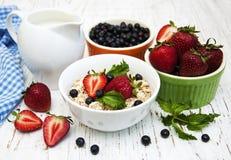 Muesli and fresh berries Royalty Free Stock Photos