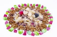 Muesli, nueces y frutos secos aislados Foto de archivo libre de regalías