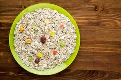 Muesli sur une table en bois vue supérieure de muesli Nourriture saine Image stock