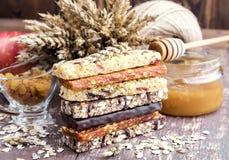 Muesli y barras de los frutos secos Foto de archivo libre de regalías