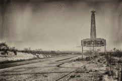 Muestra abandonada del borde de la carretera del motel Imágenes de archivo libres de regalías