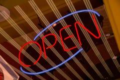 Muestra abierta del neón Foto de archivo libre de regalías