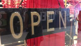 Muestra abierta en la tienda Alameda de compras almacen de metraje de vídeo