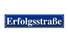 Muestra alemana del nombre de la calle - Erfolgstrasse Foto de archivo