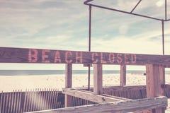 Muestra cerrada de la playa en el punto agradable foto de archivo libre de regalías