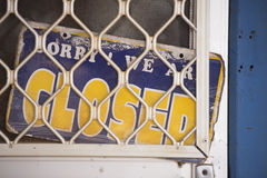 Muestra cerrada en la puerta de la tienda Fotos de archivo