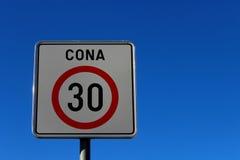 Muestra de camino 30 kilómetros por hora Imagen de archivo