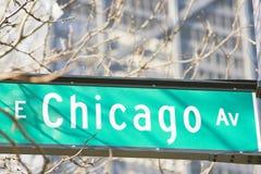 Muestra de la avenida del E. Chicago imagenes de archivo