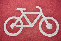 Muestra de la bicicleta en la trayectoria de la bici imagenes de archivo