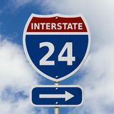 Muestra de la carretera de la autopista 24 de los E.E.U.U. Fotos de archivo libres de regalías