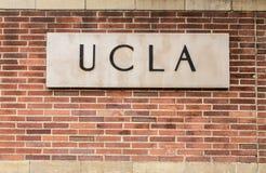 Muestra de la entrada del campus del UCLA Foto de archivo