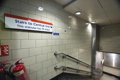 Muestra de la escalera en el metro de Londres Imagenes de archivo