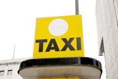Muestra de la estación del taxi Imágenes de archivo libres de regalías
