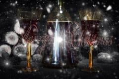 Muestra de la Feliz Navidad con la botella y los vidrios del vintage del vino rojo con referencia a Fotos de archivo libres de regalías
