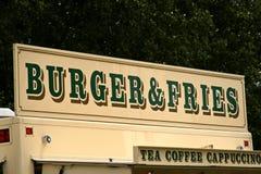 Muestra de la hamburguesa y de las fritadas Imagenes de archivo