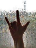 Muestra de la mano con la mujer de la mano Imagen de archivo