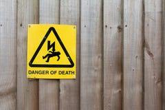 Muestra de la precaución: Peligro de la muerte Imagen de archivo