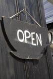 Muestra de la puerta abierta. Fotos de archivo libres de regalías