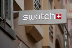 Muestra de la tienda de Swatch imagenes de archivo
