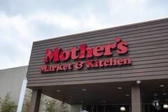 Muestra de la tienda del mercado y de la cocina de la madre fotos de archivo libres de regalías