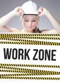 Muestra de la zona de trabajo en el cartel de la información, mujer del trabajador Imagen de archivo
